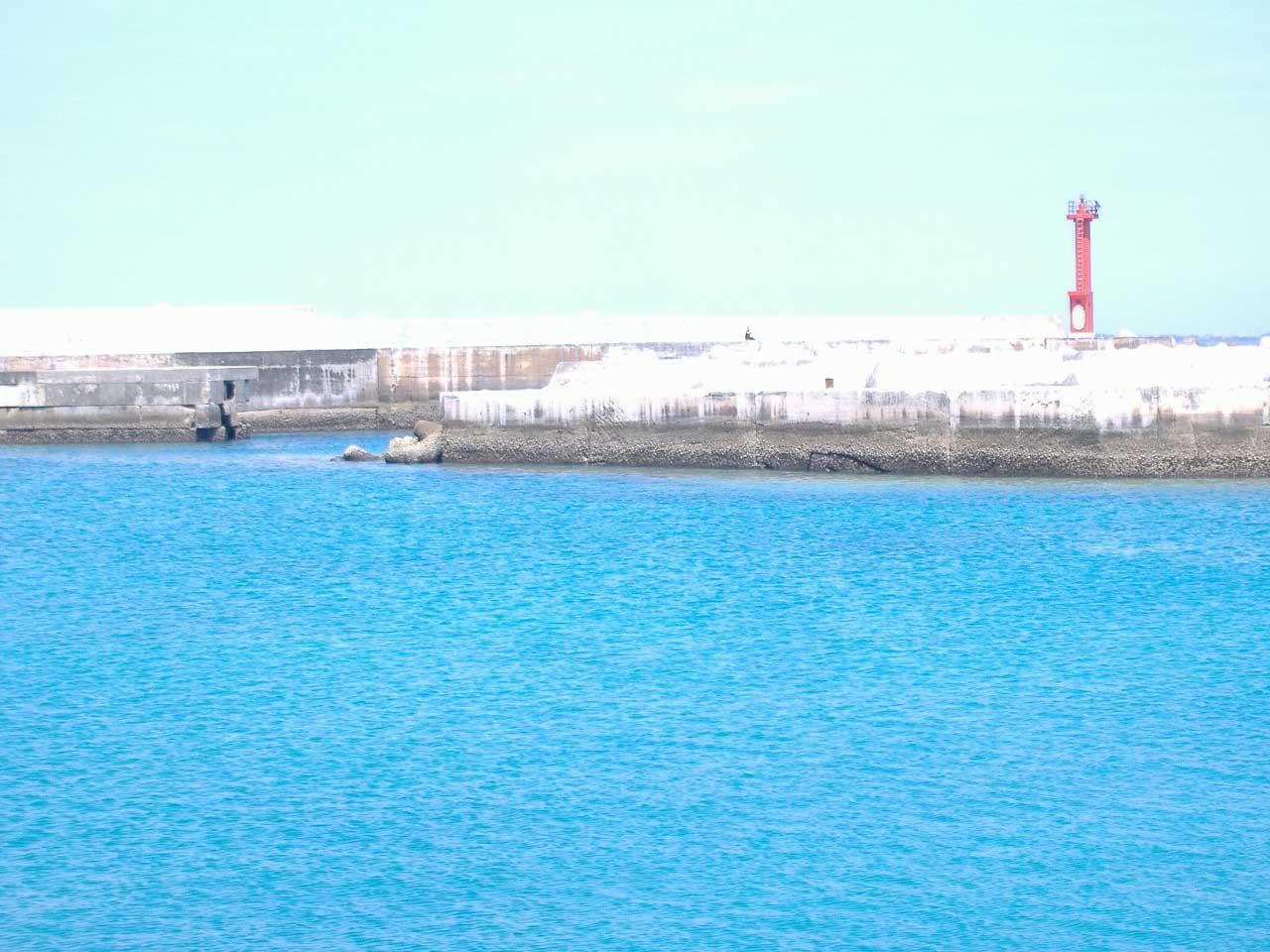 blog伊良部島佐良浜漁港1080405.jpg